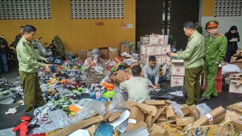 Bắc Giang tiêu hủy gần 11.000 sản phẩm giả mạo nhãn hiệu nổi tiếng