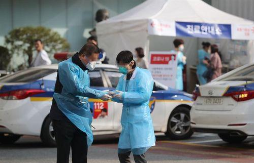 Bệnh nhân từ phái Tân Thiên Địa hành hung y tá, trốn khỏi bệnh viện