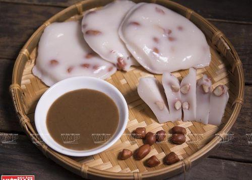 Bánh đúc chấm tương - món ăn bình dị suốt bao đời của người Hà Nội
