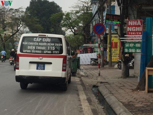 1 phụ nữ ở Hà Nội tức ngực và khó thở, xe cấp cứu lập tức có mặt