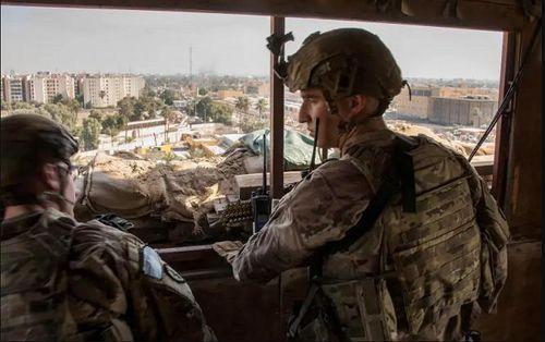 Loạt tên lửa bí ẩn tấn công căn cứ quân sự Mỹ tại Iraq, 15 người thương vong