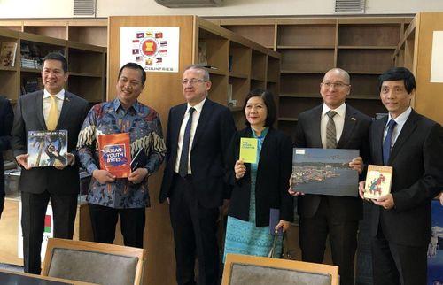 Đại sứ Trần Quang Tuyến thăm, làm việc với lãnh đạo Thư viện Quốc gia Thổ Nhĩ Kỳ