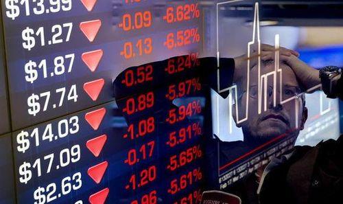 Thị trường chứng khoán Mỹ rơi tự do trong ngày tồi tệ nhất từ năm 1987