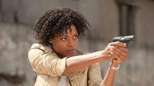 Từ phù thủy 'Tia Dalma' xấu xí đến nàng Bond girl gợi cảm trong 'No time to die'