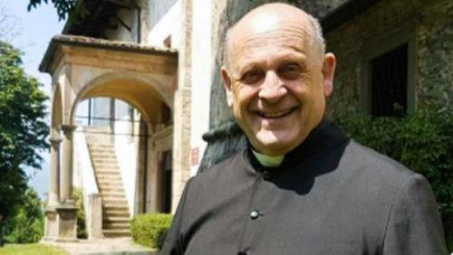 Linh mục 72 tuổi qua đời sau khi nhường máy thở cho bệnh nhân trẻ