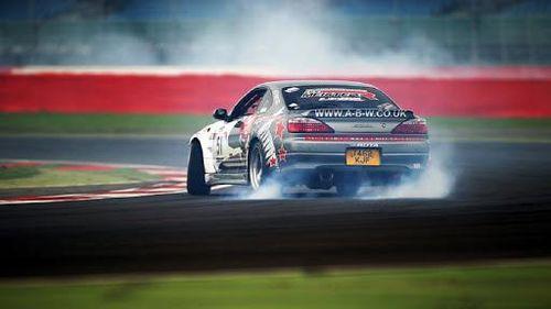 Ô nhiễm từ lốp xe tệ hơn 1.000 lần do khí thải từ động cơ ô tô