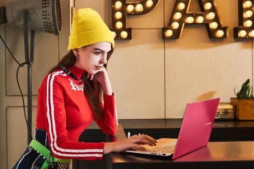 Nên chọn laptop học online tại nhà theo tiêu chí gì?