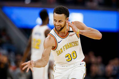 Stephen Curry, LeBron James và những cầu thủ hưởng lương cao nhất NBA