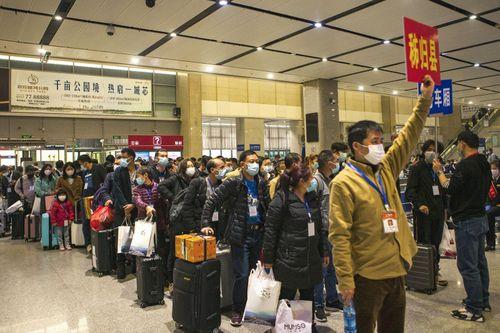 Dịch COVID-19: Trung Quốc sớm hồi phục sản xuất, Mỹ kéo dài đóng băng
