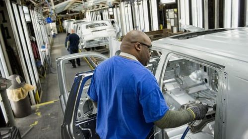 General Motors cắt giảm 20% lương của 69.000 nhân viên