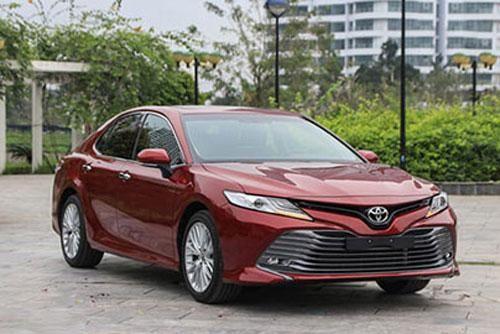 Giá lăn bánh Toyota Camry, đối thủ của Honda Accord, Mazda 6