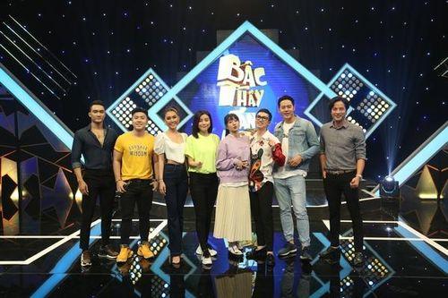 Hoa hậu Tường Linh, Phan Thị Mơ 'đọ' trình catwalk cực điệu nghệ trên sàn… gameshow