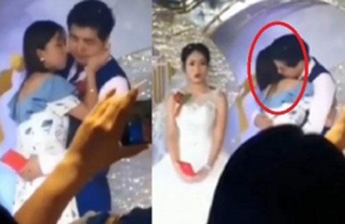 Người yêu cũ bất ngờ lao lên sân khấu ôm hôn chú rể nhưng thái độ của cô dâu mới bất ngờ