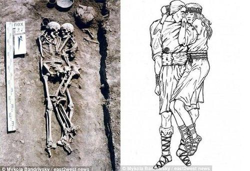Sự thật 'sốc' về cặp đôi ôm nhau 3.000 năm trong mộ cổ