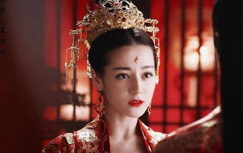 Những nữ diễn viên mặc trang phục màu đỏ đẹp nhất trong phim cổ trang