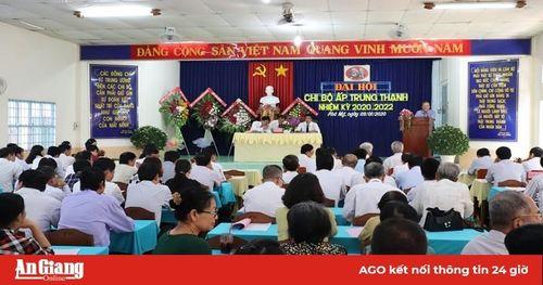 Phú Tân khẩn trương tổ chức Đại hội Đảng cơ sở