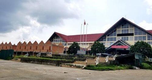 Chây ì tháo dỡ công trình xây dựng xấu xí tại chợ Bảo Lộc