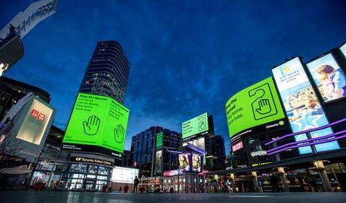 Canada nới lỏng phong tỏa, cho phép các cửa hàng mở cửa lại