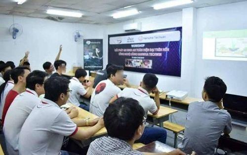 Tổ chức thi liên thông đại học tại nhà riêng, Trưởng Phòng Giáo dục huyện Đức Hòa bị kỷ luật