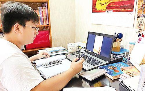 Khảo sát chất lượng học sinh lớp 12 bằng bài thi trực tuyến