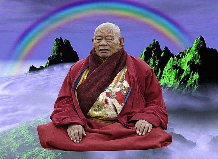 Nhà sư Khenpo Achö là một trong những trường hợp thân thể hóa cầu vồng sau khi viên tịch. (Ảnh: in5d.com)