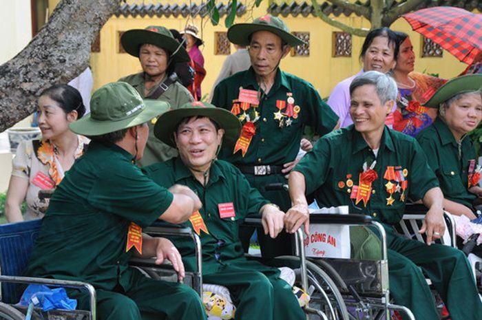 Đây là trách nhiệm, tình cảm và nét đẹp nhân văn của dân tộc Việt Nam. Kỷ  niệm Ngày Thương binh - Liệt sĩ hằng năm là dịp tri ân những anh ...