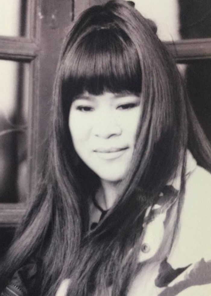 Gắn Liền Với Hình Ảnh Tóc Ngắn, Nữ Nghệ Sĩ Gây Chú Ý Khi Tiết Lộ Hình Ảnh  Để Tóc Dài Vào 20 Năm Trước.