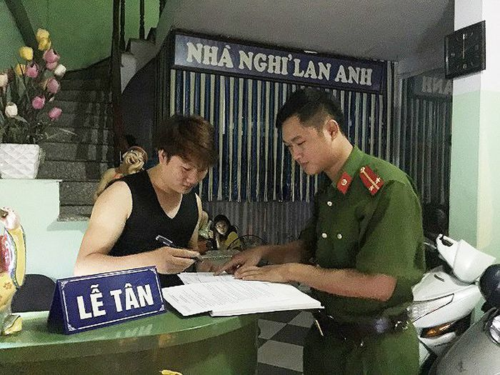 Lực lượng công an tuần tra kiểm soát tại một số cơ sở lưu trú nhà nghỉ, khách sạn
