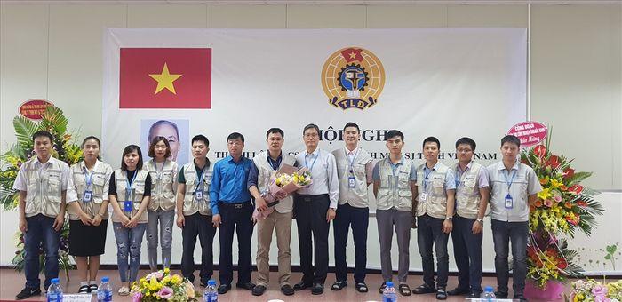 Báo Lao Động: CĐ các KCN tỉnh Bắc Giang: Kết nạp mới gần 1.000 đoàn viên