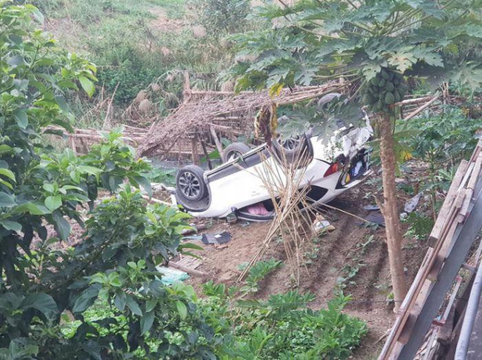 Báo Pháp Luật Plus: Tiếp tục ngỡ ngàng trước tình huống lùi xe 'thần thánh' của nữ tài xế Mazda CX5