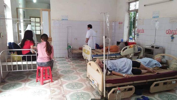 Nghệ An: 8 người nhập viện cấp cứu do ngộ độc sau khi đi ăn cưới