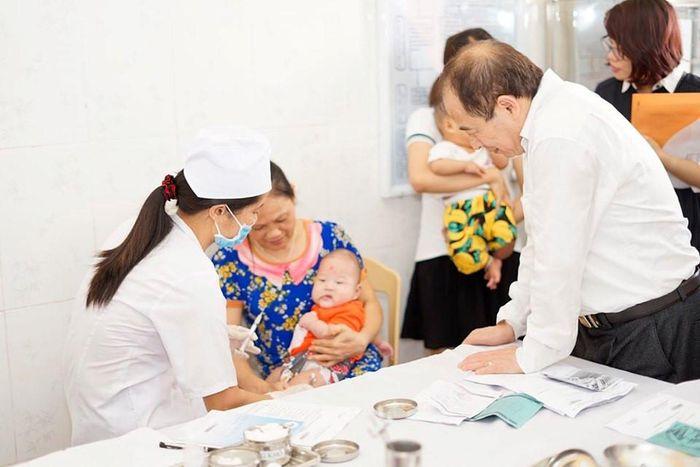 Báo Ngày Nay: Đưa thêm vaccine 5 trong 1 vào chương trình tiêm chủng mở rộng