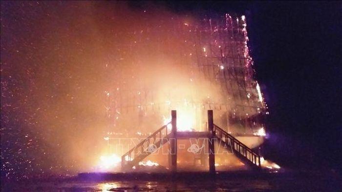 Báo Tin Tức TTXVN: Sét đánh cháy rụi nhà rông huyện Đăk Hà