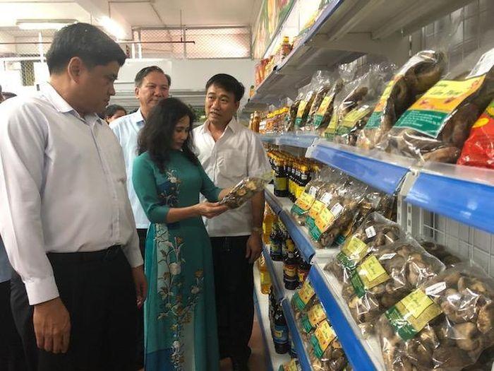 Báo KTNT: Có thêm cửa hàng bán sản phẩm nông sản an toàn tại Lào Cai