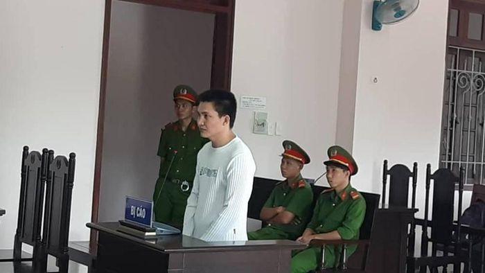 Báo Giao Thông: Đang chở mía ở Kiên Giang vẫn cướp được túi xách ở Hậu Giang?!