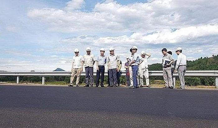 Báo PetroTimes: Vụ cao tốc Đà Nẵng - Quảng Ngãi hư hỏng: Tổng cục Đường bộ đi thị sát