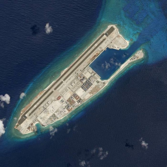 Tàu TQ tái xâm phạm vùng đặc quyền VN và mối nguy từ đảo nhân tạo