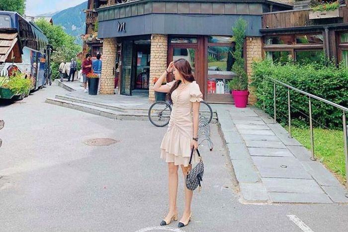 Tóc Tiên diện váy khoe dáng sexy, Kỳ Duyên bỗng dưng mặc kín đáo