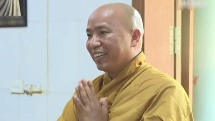 Sư Toàn hoàn tục Lê Hữu Long 'trắng tay'... không đất cát, tiền bạc?