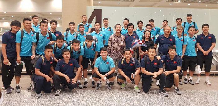 ĐT Việt Nam đã đến Indonesia, sẵn sàng quyết chiến đội chủ nhà