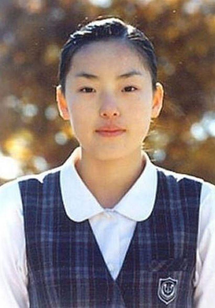 Ba mỹ nhân dao kéo được coi là biểu tượng nhan sắc của showbiz Hàn