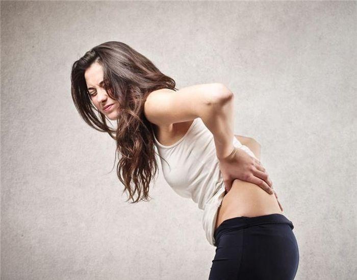Tất tần tật những điều cần biết về đau eo lưng bên phải