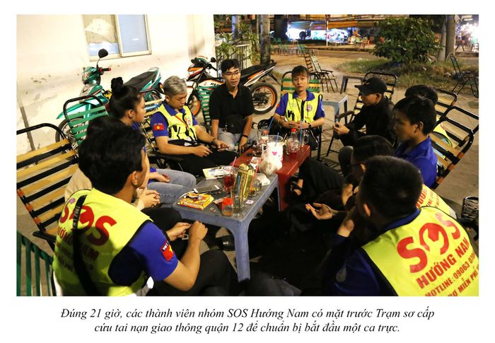 Biệt đội cứu hộ xuyên đêm miễn phí ở Sài Gòn (xe bể bánh, hết xăng, hư bugi,...) 7