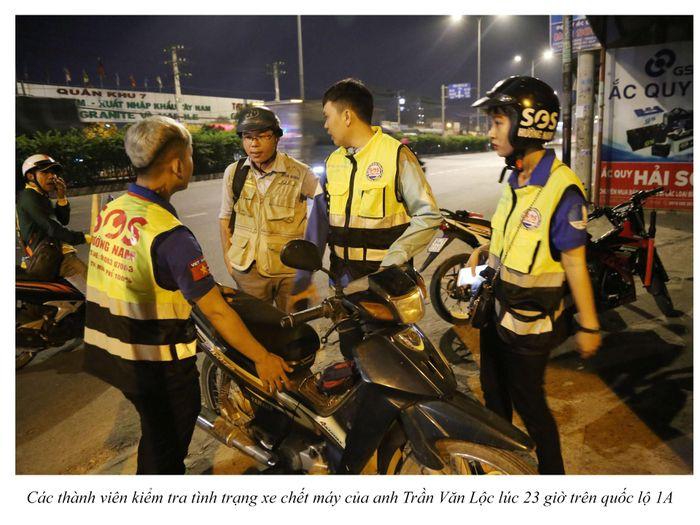 Biệt đội cứu hộ xuyên đêm miễn phí ở Sài Gòn (xe bể bánh, hết xăng, hư bugi,...) 13