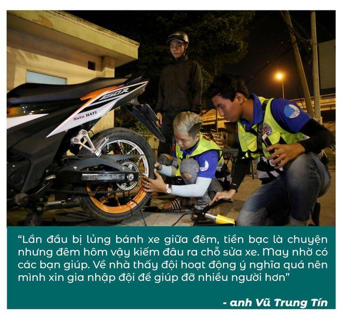 Biệt đội cứu hộ xuyên đêm miễn phí ở Sài Gòn (xe bể bánh, hết xăng, hư bugi,...) 4