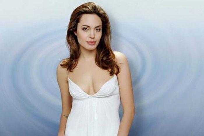 Top 10 người phụ nữ xinh đẹp nhất mọi thời đại