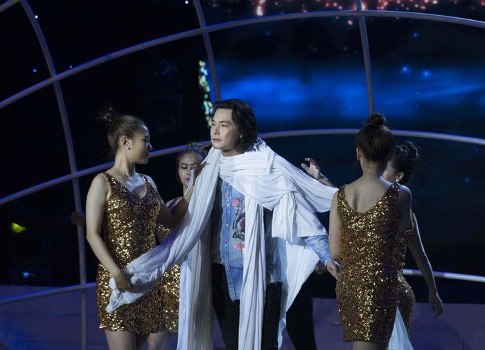 Quách Ngọc Ngoan nhận 'mưa' lời khen từ BGK Tình Bolero 2020