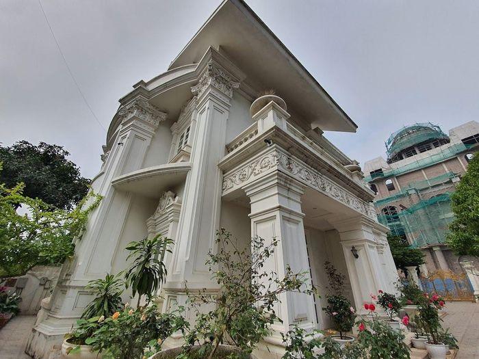Ngắm lâu đài 50 tỷ, xây 9 năm của đại gia Nam Định
