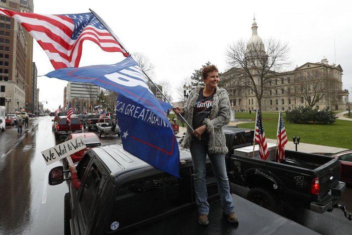 Michigan biểu tình đòi mở cửa 231d2c8d56cebf90e6df