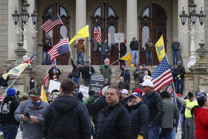 Michigan biểu tình đòi mở cửa 59a75f372574cc2a9565